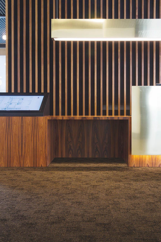 Claustra d'intérieur en bois : jeux d'ombre et de lumière avec Wood-in