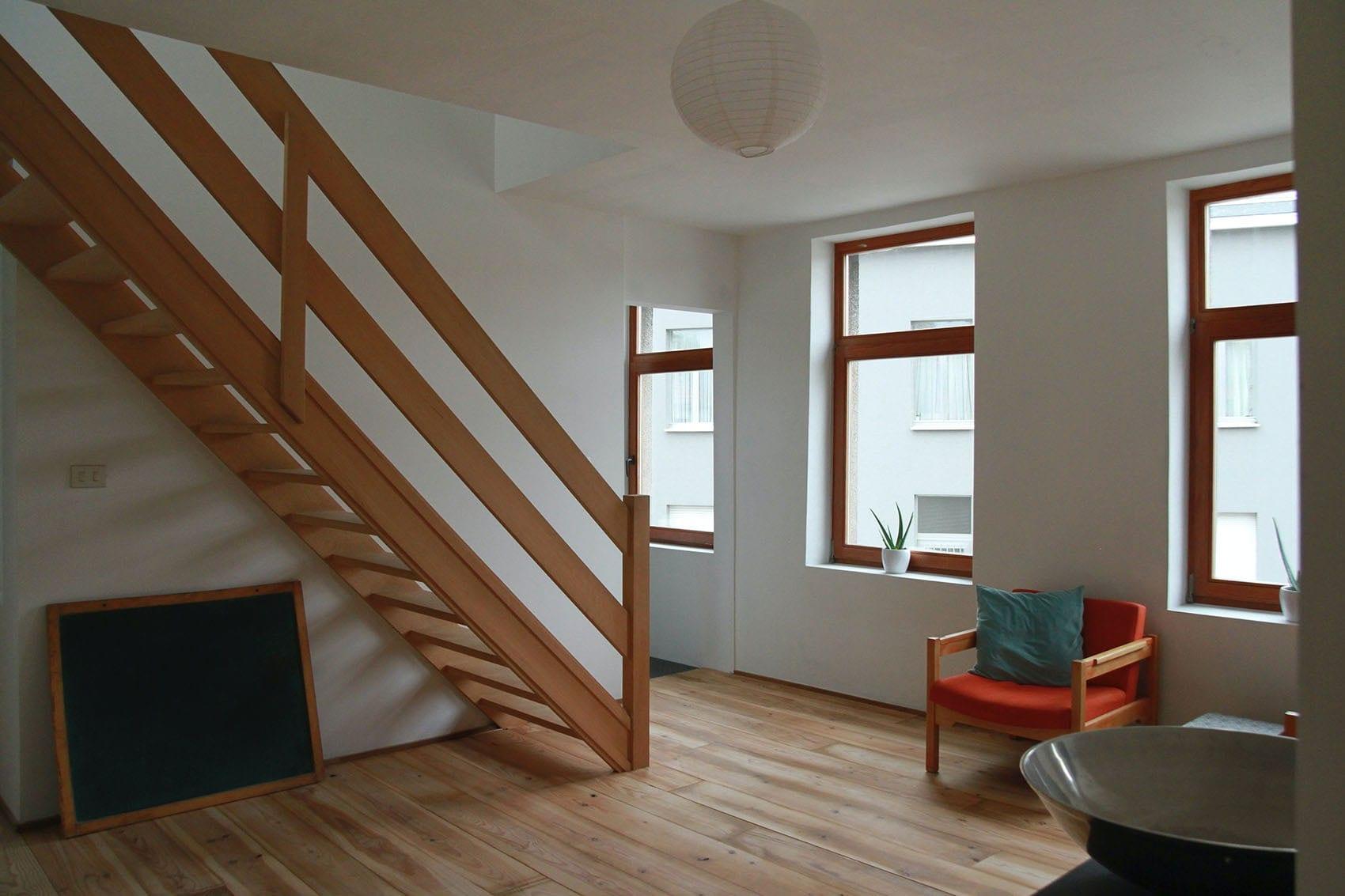 Escalier droit sur-mesure par Wood-in Menuiserie