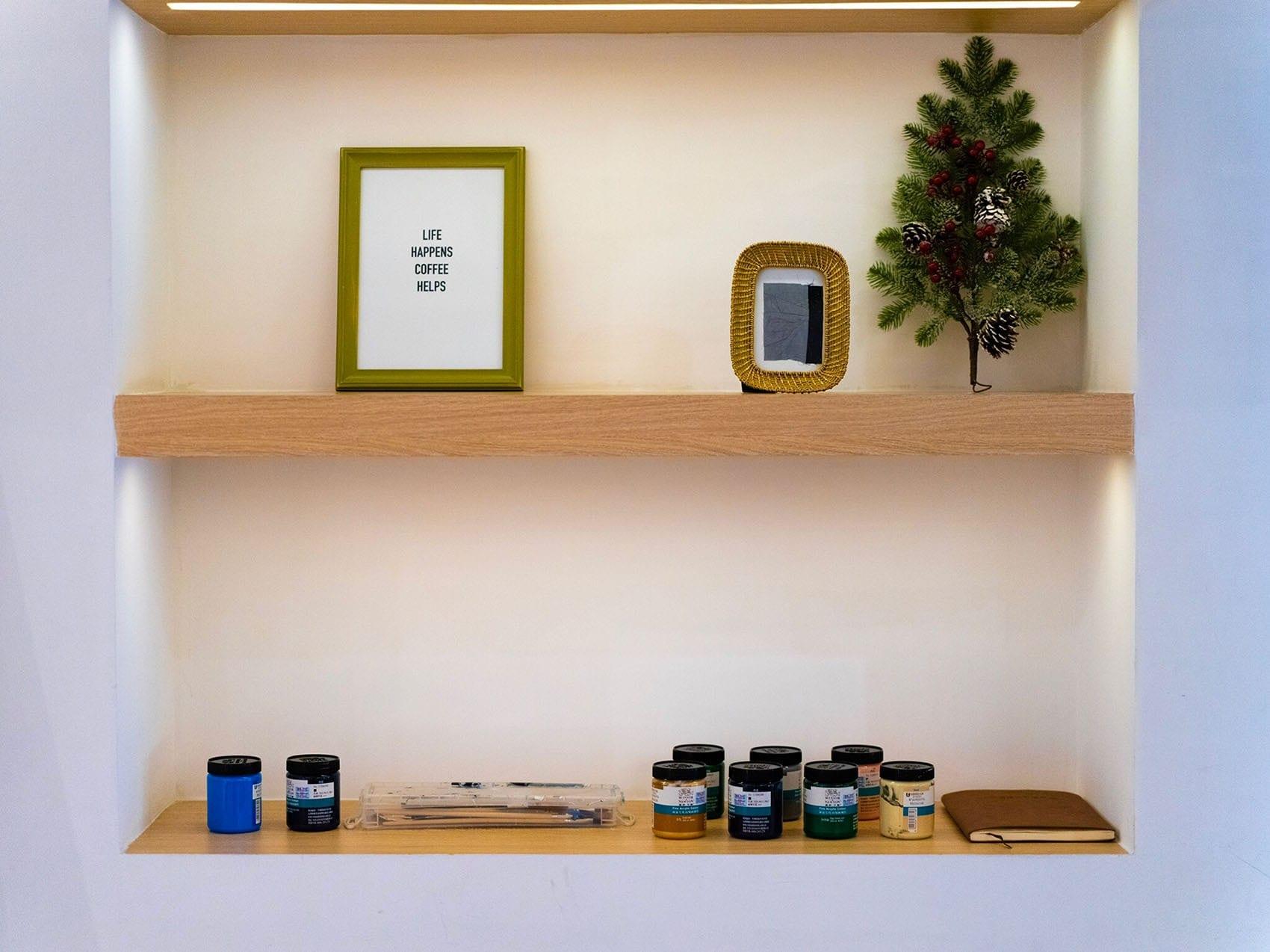 Tablette étagère sur-mesure par Wood-in Menuiserie